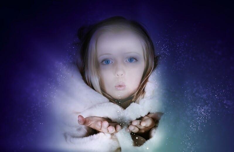 Девочка снег волшебство