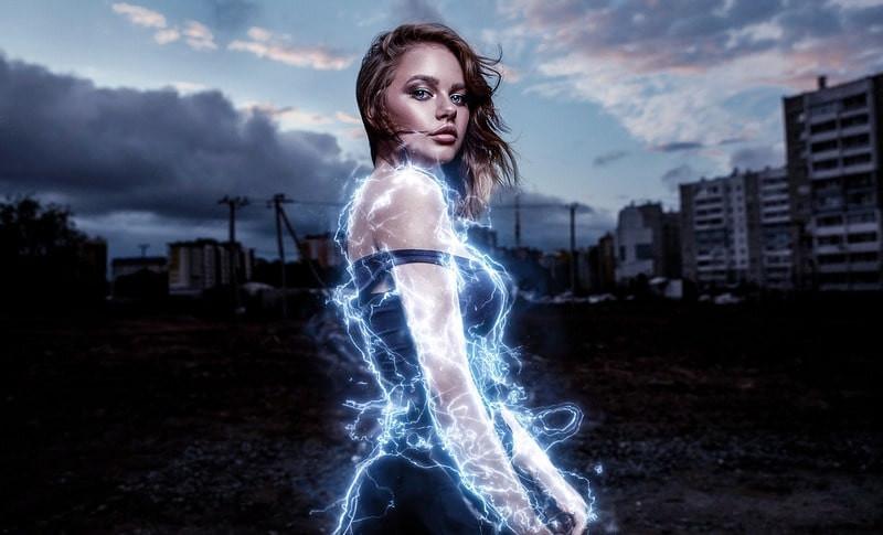 Девушка электричество