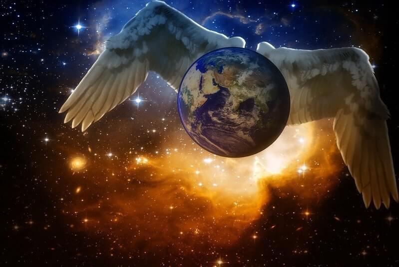 Земля крылья космос