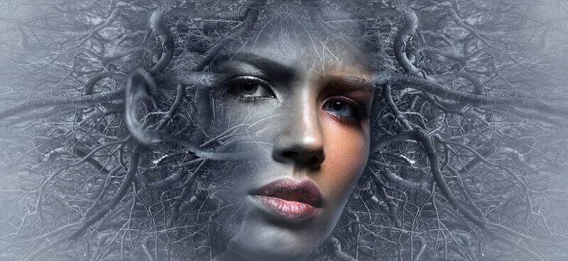 Женское лицо эзотерика