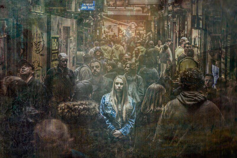 Женщина отшельник одиночка