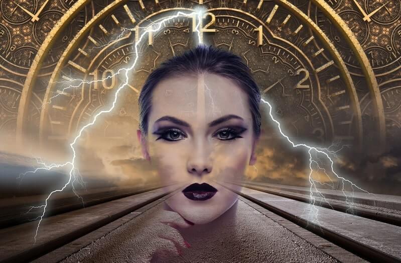 Женщина молния часы