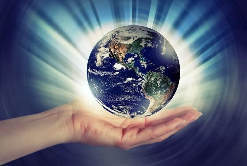 Земля планета рука